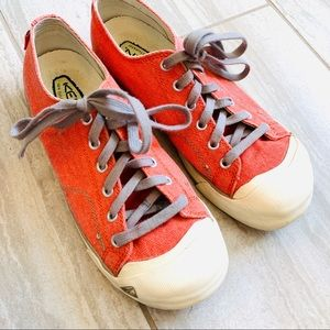 Keen Lace up sneakers / Tennis Shoes